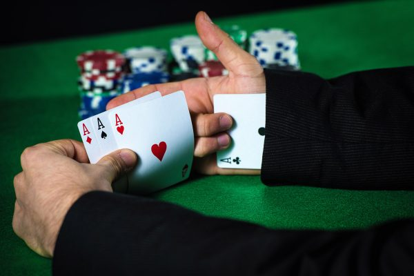 Things You Must Know Before Installing A Poker App